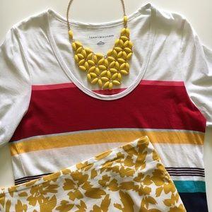 Jewelry - Yellow sunburst statement necklace